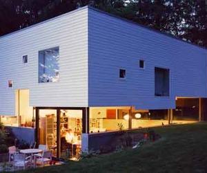 Sustainable Prefab Haus W by Kraus Schonberg Architects