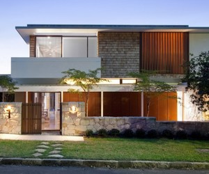 Sydney Based River House by MCK Architects