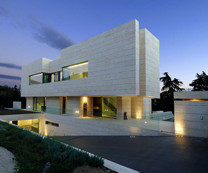Symphony Residence by A-cero Architects