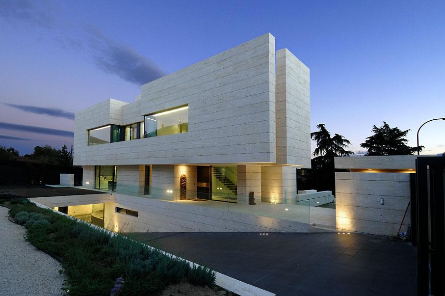 Symphony Residence By A Cero Architects