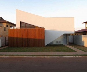 Tangram House by DOMO Arquitetos