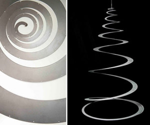 Tannenboing - A Modern Metal Christmas Tree
