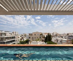 Terrace Infinity Pool Tops Off A Classy Home In Tel Aviv