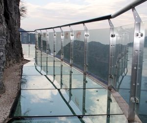 Terrifying Glass Skywalk