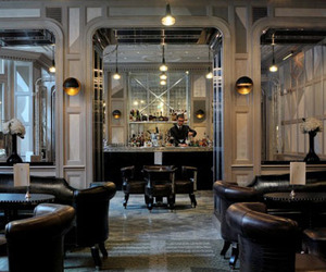The 5 Most Design-Forward and Inviting Hotel Bars