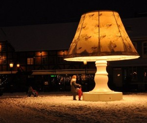 The 5.8 meters Giant Talking Lamp