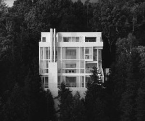 The Douglas House by Richard Meier