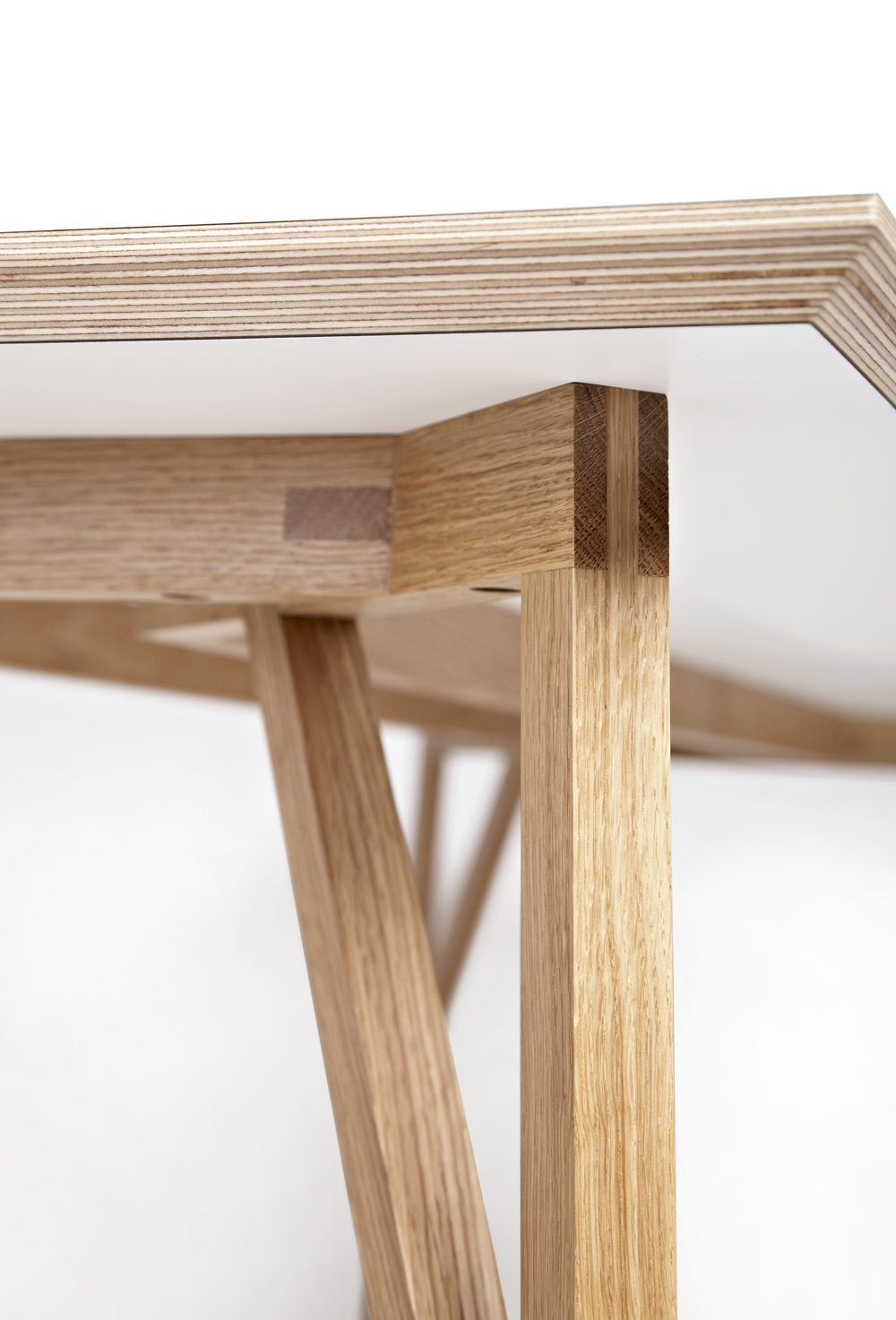 The Dt1 Table By Alexander Smith