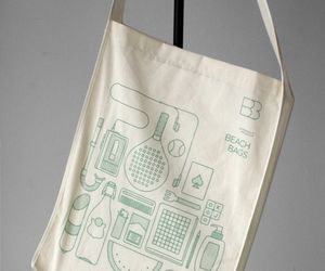 The Eco-Friendly Beach Bags with Colorful Illustrations