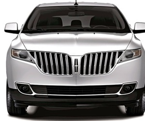 The Friendly Face of the 2011 Lincoln MKX