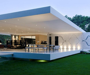 The Glass Pavilion in Montecito, California by Steve Hermann