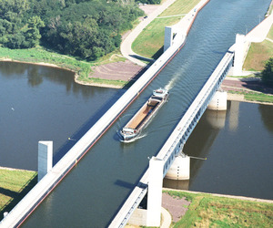 The Longest Navigable Aqueduct in the World!