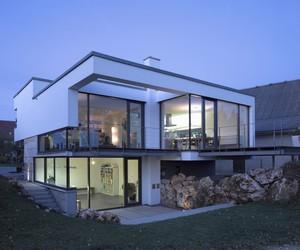 """The """"Mound"""" House Designed by Liebel Architekten BDA"""