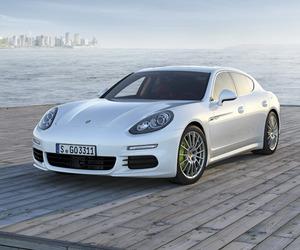The new Porsche Panamera S E-Hybrid
