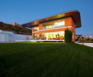 The Orange House in Turkey is Vibrant and Spell-Binding