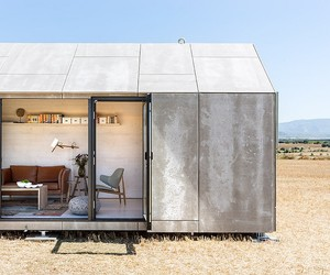 The ÁPH80 Transportable House | ÁBATON