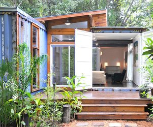 The Savannah Project Container House by Julio Garcia