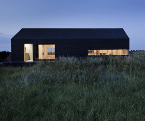 The Stealth Barn by Carl Turner Architects