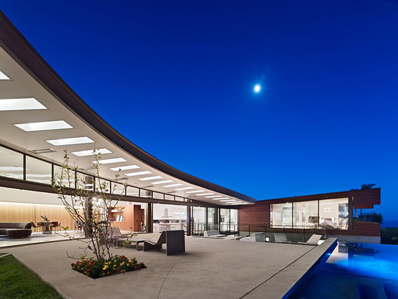 The stunning ziering house inside and out for Houses inside and out
