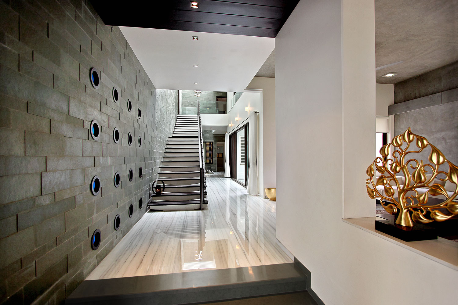 The wall house by dipen gada associates for Architecture design for home in vadodara