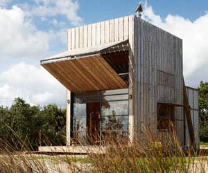 The Whangapoua Sled House by CCC Architects