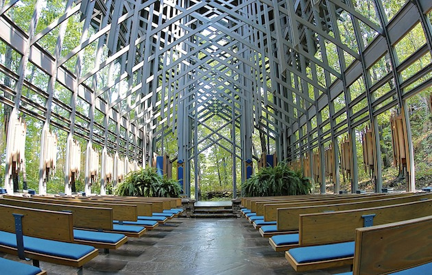 Thorncrown chapel by fay jones for E fay jones architecture