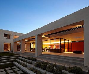 Three Wall House by Kovac Architects