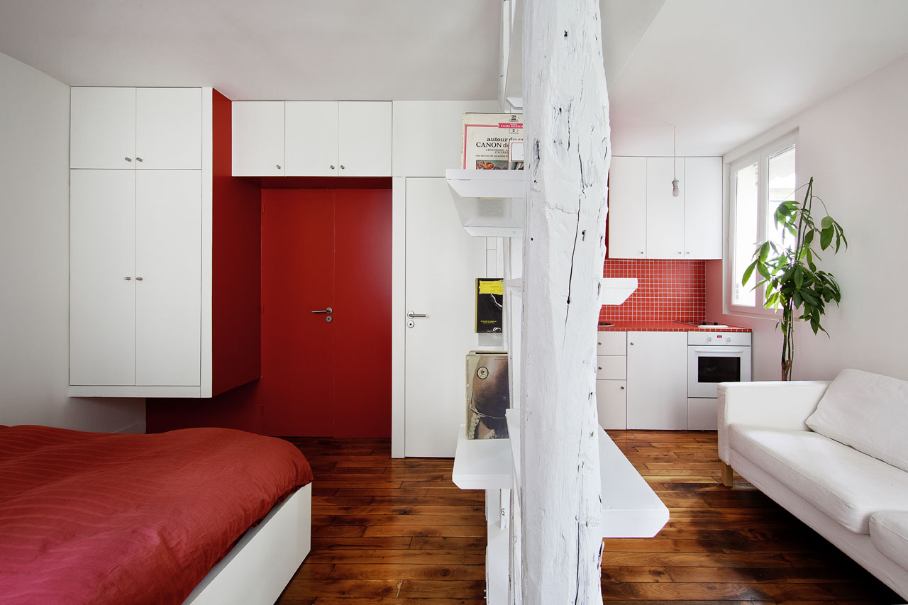 Tiny mini apartment in montmartre for Tiny apartment