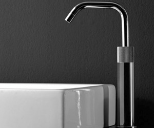 Titanium 22, a Minimalist Faucet from Watermark