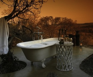 Top 20 Sensual Outdoor Bathrooms