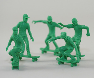 ToyBoarders - A peaceful twist on toy soldiers