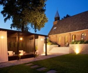 Tranquil Transformation of a Church into a Unique Loft
