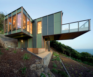 Tree House by Jackson Clements Burrows