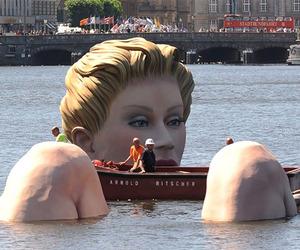 Turning Heads Giant Mermaid Sculpture