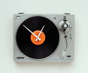 TurnTable DJ Wall Clock