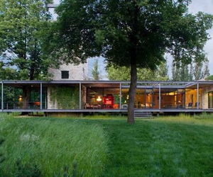 Unbelievable glass home in Krakow