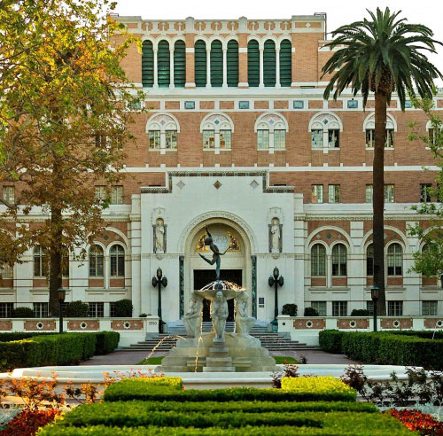 University of Southern Californias Romanesque Architecture
