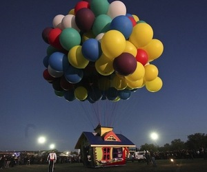 'Up' Inspired House Floats by Balloonist Jonathan Trappe