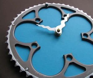 Upcycled Bike Gear Clock