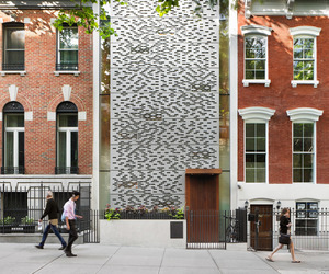 Urban Townhouse in New York by Peter Gluck and Partners