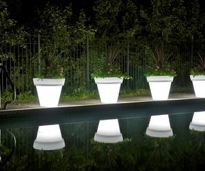 Vazon Magnum Translucent Planters