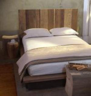 Vertical Plank Reclaimed Wood Bed