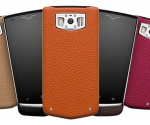 Vertu unveils Constellation Android Smartphone