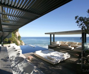 Victoria 73 in Cape Town by SAOTA and Antoni Associates