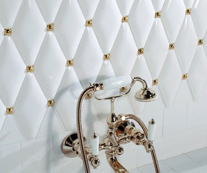 Victorian Era Tiles Gives your bathroom a luxury look