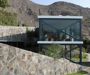 Viewpoint House in Peru by 2.8x Arquitectos