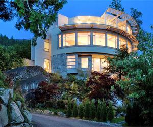 Villa Kulangsu in West Vancouver by Fook Weng Chan