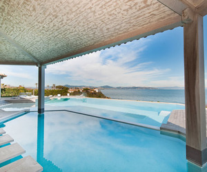 Villa Nathalie: Stunning Sea-Front Villa in St.Tropez