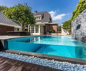 Visually Striking Aquatic Backyard in The Netherlands