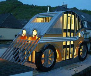 Voglreiter Auto Residence: Lil' wonder house!